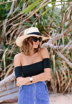 DIY Off the shoulder top You need:  Stretchy fabric such as lycra or  thick jersey Scissors Pins Measuring Tap Sewing Machine