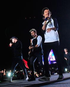 Liam, Niall, Louis and Harry One Direction Pictures, I Love One Direction, Boys Who, My Boys, Chile, 1d Tour, Where We Are Tour, Louis And Harry, Louis Williams
