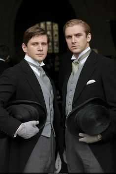 Branson and Matthew | More Downton Abbey photos here: http://mylusciouslife.com/historical-style-downton-abbey-photos/