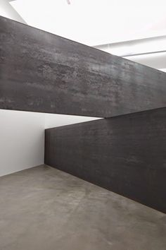From Gagosian Gallery, Richard Serra, London Cross Weatherproof Streetl, 168 × 341 × 341 in Richard Serra, Visual Arts Center, Gagosian Gallery, Sculpture Art, Steel Sculpture, Metal Sculptures, Abstract Sculpture, Bronze Sculpture, Funny Art