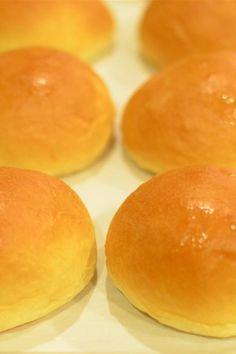 Grandma Rita's Soft Butter Rolls, make dinner rolls, hamburger buns or hot buns that stay soft for days. Soft Rolls Recipe, Butter Roll Recipe, Yeast Rolls, Bread Rolls, Bread Machine Recipes, Bread Recipes, How To Make Dough, Homemade Rolls, Personal Recipe