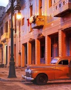 Coches antiguos en Cuba..Re-pin brought to you by agents of #Carinsurance at #HouseofInsurance in Eugene, Oregon
