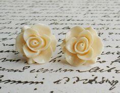 Ivory flower earrings.. Cute!