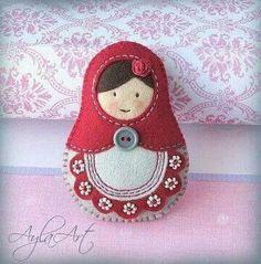 Matrioszka dla PATRYCJI --- zamówienie :) I really need one of these Felt Crafts, Fabric Crafts, Sewing Crafts, Sewing Projects, Felt Christmas Ornaments, Christmas Crafts, Felt Embroidery, Matryoshka Doll, Felt Decorations