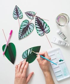 Paper Houseplants: Inspired by Upcoming Paper Houseplant Craft Class at Gather – Gather Goods Co Origami Paper, Diy Paper, Paper Art, Flower Crafts, Diy Flowers, Paper Flowers, Chinese Money Plant, Paper Plants, Paper Leaves