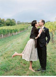 Barbara und Peter, 50er Jahre Hochzeit in den Weinbergen Wiens von Peaches & Mint - Hochzeitsguide