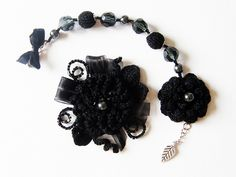 #Bracelet and brooch    repin .. share  :)    http://amzn.to/UVKyVd