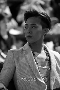 GD / Lol he looks like someone is getting on his nerves