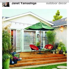 love the bright colors on the small deck