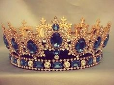 Sapphire, diamond, and gold tiara/crown. Royal Crowns, Royal Tiaras, Tiaras And Crowns, Crown Royal, Pageant Crowns, Royal Jewelry, Vintage Jewelry, Gold Jewelry, Bling Bling