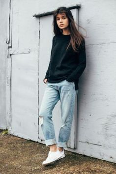 Boyfriend Jeans und Sneakers Outfit-Ideen 40 Outfit Ideas To Wear Your Boyfriend Jeans And Still Look Awesome Tomboy Fashion, Look Fashion, Fashion Outfits, Woman Fashion, Woman Outfits, Street Fashion, Jeans Fashion, Queer Fashion, India Fashion