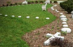 rosary garden♥ I'm thinking to do it with big rocks, winding through a shady patch of woods. Catholic Crafts, Catholic Prayers, Catholic Art, Prayer Garden, Meditation Garden, Marian Garden, Spiritual Garden, Mama Mary, Outdoor Classroom