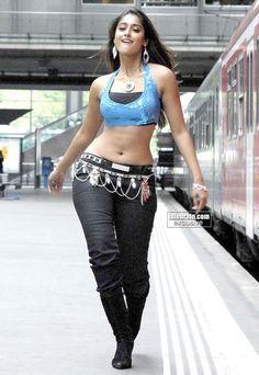 Ileana D'Cruz Hot Bikini Photos, Body Measurements, All Movie List And Biodata Cinema Actress, Indian Film Actress, Indian Actresses, Ileana D'cruz Hot, Indian Celebrities, Movie List, Hot Actresses, Hot Bikini, Bollywood Actress