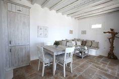 You decorate the beach house? Beach Patio, Beach Condo, Beach House, Estilo Tropical, Mykonos Island, Porch Furniture, Brick, Villa, New Homes