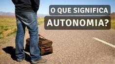 """Autonomia é um termo de origem grega, que significa aquele que estabelece suas próprias leis. A palavra vem de auto, que significa """"por si mesmo"""" e nomos, que significa """"lei""""."""