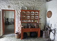 Interior of a 1700 Donegal thatched cottage (Photo: McDonegal) Ireland Old Cottage, Cottage Style, Farmhouse Interior, Interior And Exterior, Interior Trim, Interior Design, Irish Decor, Irish Cottage Decor, Irish Landscape