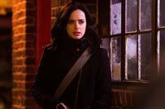 VIDEO: Marvel's Jessica Jones Sneak Peek - Jessica Doesn't Do Stairs