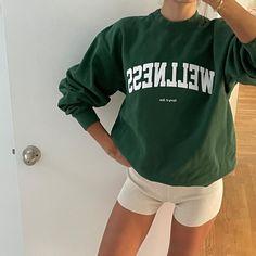 Emily Oberg, Preppy Fall, Copenhagen Style, Fashion Outfits, Fashion Fashion, Photoshoot, My Style, Sweatshirts, Casual