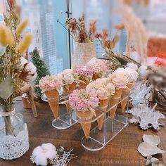 Student's Work & Photo by student #學生影相咁有feel既? #影相大家最精神 #大家影相嗰陣咩攰都忘記晒  所有課程資料及時間表,可隨時於「活動」欄查看,報名或查詢,請inbox我們 #韓花#韓式唧花#韓式裱花#豆蓉#豆沙#結婚蛋糕#koreaflowercake#flowercake#buttercream#cone#icecream#flowerpipping#sugarart#icing#beanpaste#rose#peont#leaf#wedding#birthday#love#pretty