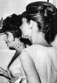 Elizabeth Taylor and Audrey Hepburn at the Desert Inn in Las Vegas, 1961.