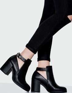 Сапоги на высоком каблуке - Смотреть все - Обувь - Женская - PULL & BEAR Украина
