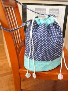 Finishing the Quilted Bucket Bag - QUILTsocial