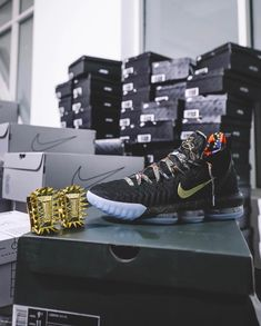 "a3b3e430f2ff Bleacher Report Kicks on Instagram  ""Who copped the LeBron 16 Watch The  Throne  📸  RayPolancoJr"""