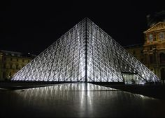 Pei, Ieoh Ming: Louvre Pyramid, Paris, France