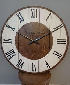 Reloj de pared de 80 cm de diámetro. REF: 35. Realizado en madera  y pintado a mano. de cocopalets en Etsy
