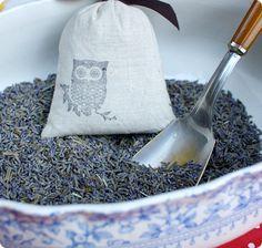 diy project: madeley's stamped lavender sachetsdiy project: madeley's stamped lavender sachets #diy #crafts