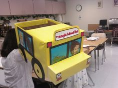 Magic school bus cardboard box Magic School Bus, Third Birthday, Party Themes, Party Ideas, School Projects, Fall Halloween, Back To School, Costume Ideas, Costumes