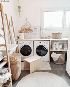 Storage & Co. Scandi Vibes in the laundry room! Washing clothes is really fun here: natural colors and materials Laundry Room Storage, Laundry Room Design, Storage Spaces, Basket Shelves, Storage Baskets, Kallax Regal, Stow Away, Washing Clothes, Home And Living