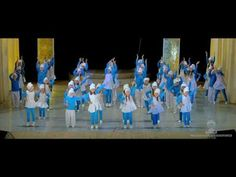 СМУРФИКИ - YouTube Flower Dance, School Play, Dance Choreography, Kids Playing, Drill, Kindergarten, Student, Youtube, Education