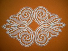Bruges Lace, Bobbin Lace Patterns, Cross Stitch Patterns, Romanian Lace, Lacemaking, Lace Heart, Lace Jewelry, Needle Lace, Bargello