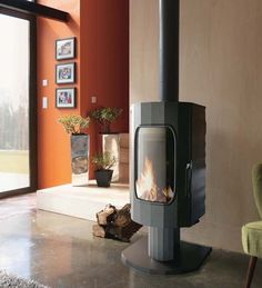 £1,979.00 Invicta Odyssee Wood Burning Stove #woodburners #woodburningstoves #logburner #multifuelstove #woodburner #woodburningstove #directstoves #solidfuelstoves #traditionalstove #traditionalwoodburners #traditionalstoves #contemporarystoves