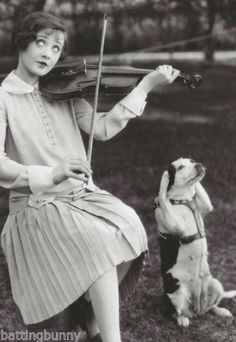 Vintage Funny Woman Playing Violin with Dog Postcard - vintage gifts retro ideas cyo Rat Terrier, Terriers, Jack Russells, Tier Fotos, Vintage Humor, Vintage Ads, Jack Russell Terrier, Vintage Pictures, Back In The Day