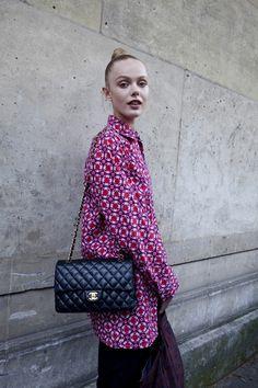 Frida Gustavsson avec un sac Chanel