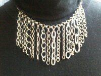 Dit is een Anilli Design ketting. zowel chic als cassual