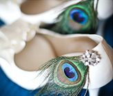 What a simple way to dress up some wedding shoes!
