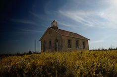 """Lower Fox Creek Schoolhouse: You can't photograph in the Flint Hills and not take the time for at least one photoshoot here. Modern Classroom, 21st Century Classroom, Flint Hills, Differentiated Instruction, Historical Pictures, Survival Gear, Wild West, Over The Years, Kansas"