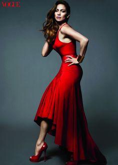 293205e0bd4 Jennifer Lopez - Mert   Marcus Rojo Valentino