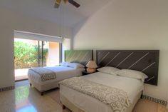 Recámara 3 - Villa en venta en Acapulco, junto al Fairmont Acapulco Princess - Más información aquí: http://pueblaresidencial.com/listing/villa-2-niveles-acapulco-casas-en-venta-en-acapulco/