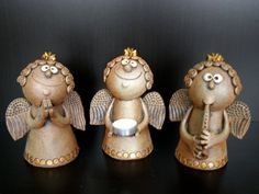 Michaela Lindovská | Galerie V-ATELIER Hand Built Pottery, Slab Pottery, Ceramic Pottery, Ceramic Art, Christmas Clay, Christmas Angels, Pottery Angels, Bird Doodle, Clay Fish