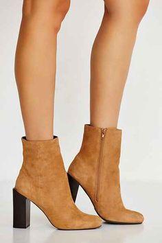 buy high heels boots capezio toronto canada