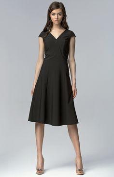 La petite robe noire chic parfaite pour toute occasion Robe Noire Chic,  Faire Une Robe 737a7d7a60fc