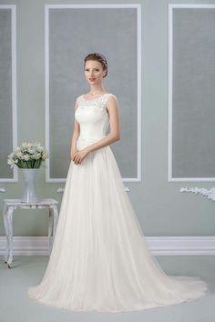 Am pregătit zeci de modele pentru tine! #wedding #dresses  Intră pe www.salongeea.ro și convinge-te singură!