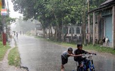 Kids playing under the sudden rain..Wish i was there again..