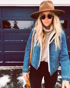 Fashionable Women Snow Outfits for This Winter #fashionableoutfits,