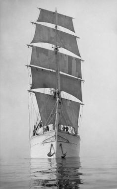 Tormilind in full sail (a photo from Käsmu Maritime Museum collection). I see it as my duty towards my skillful ancestors to tell their story, because who else should tell it? Peeter Sepp was said to have bent the whole 42 meter plank for the ship. the building happened in a former tavern that was turned into a workshop, near Hara gulf in Northern Estonia.