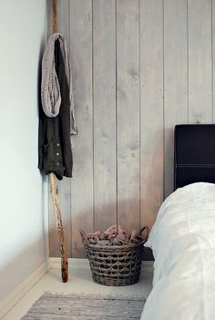 bedroom wall painting the past Guest Room Paint, Basement Guest Rooms, Home Bedroom, Bedroom Wall, Scandinavian Interior, Wood Wall, Home And Living, Decoration, Interior Inspiration